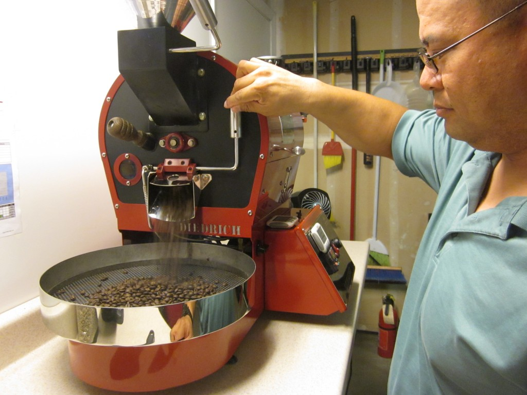 Dominic Dolar roasting coffee beans in Natomas. / Photo: T. Drotar
