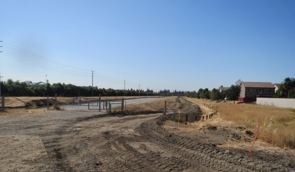 New bike trail in Natomas during construction. / Photo: NNTMA