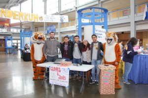 Natomas Cares: Inderkum Holiday Drives