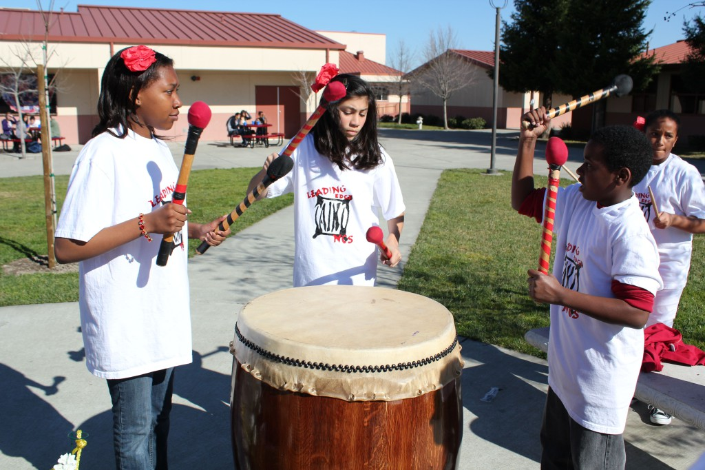 1287: Leading Edge students take part in the Chinese New Year celebration on campus (2010)
