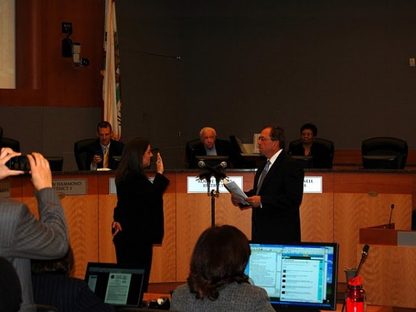 Angelique Ashby being sworn into office in Nov. 24, 2010. / Photo: L.Rodda