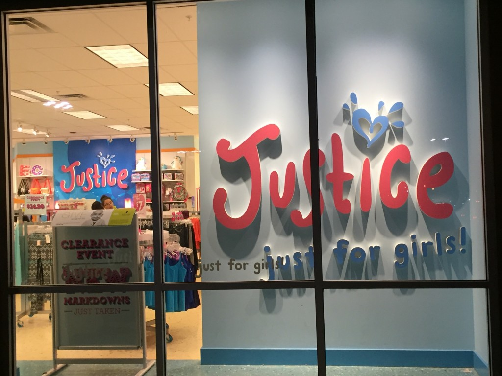 Justice is closing its store in Natomas. / Photo: NatomasBuzz.com