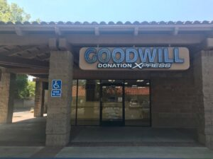 Image of south Natomas location which still has Goodwill Donation Xpress sign.