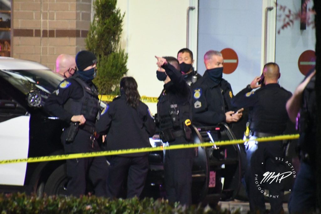 Image of police at crime scene.